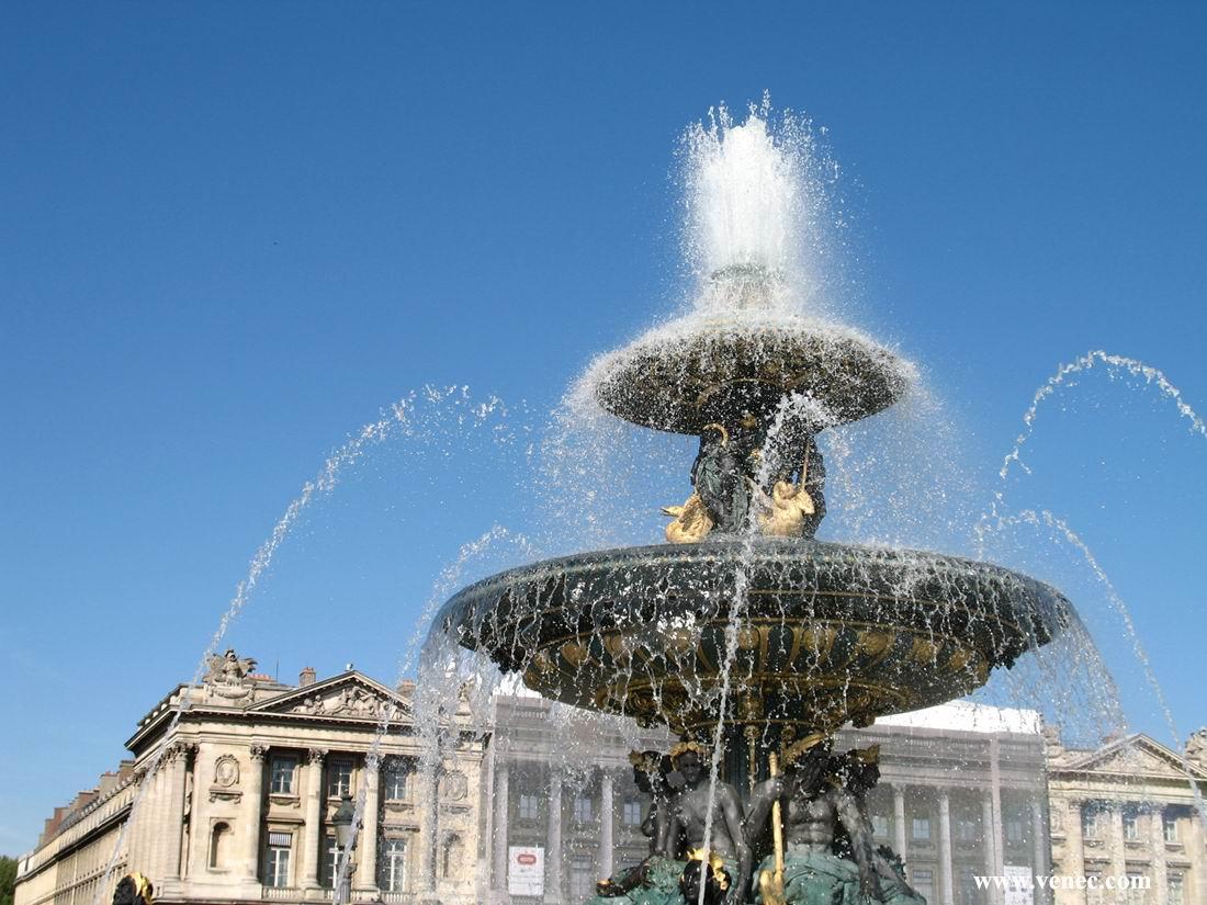 Прическа фонтаны парижа